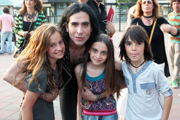 Joey Ramone Hijos: MARIO VAQUERIZO, El Mejor Amigo De Los Niños