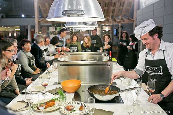 ap ntante a una escuela de cocina para sacar el chef que