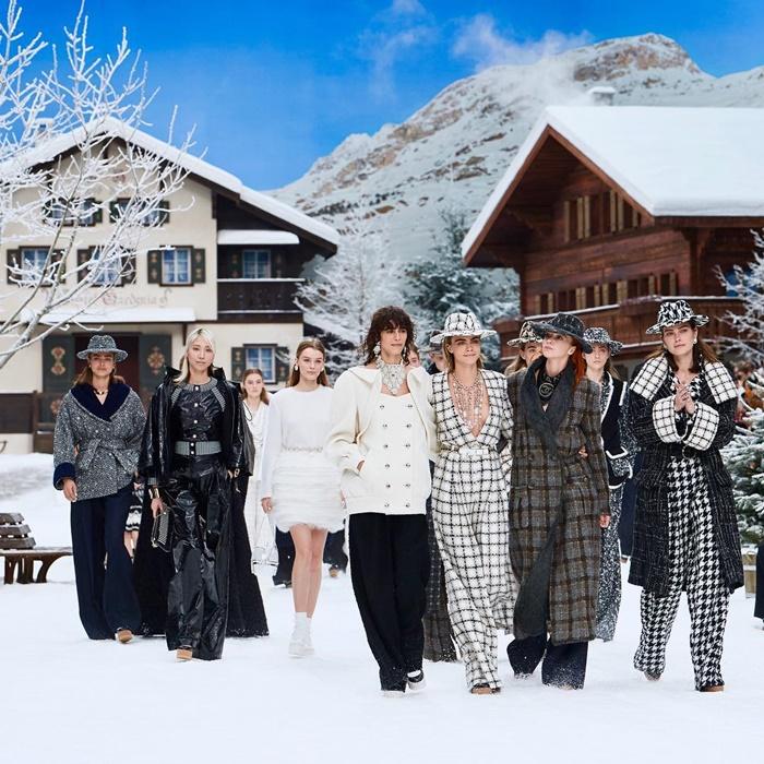 Desfile de Chanel homenaje a Lagerfeld